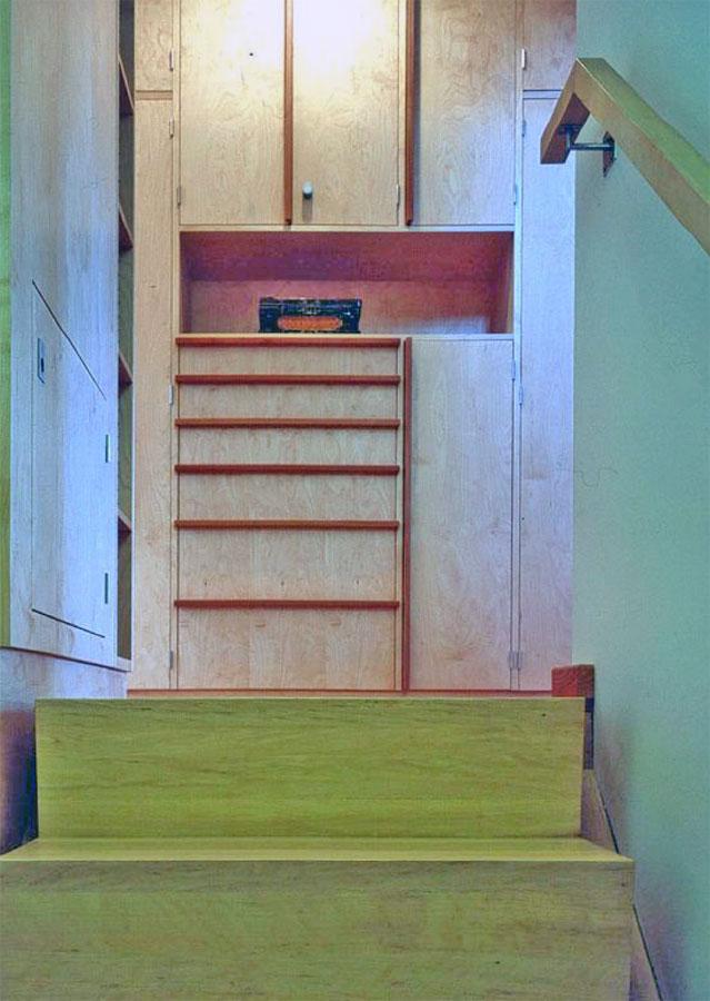Einbauschränke im Treppenraum