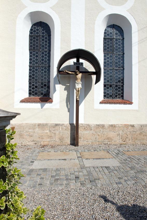 Kreuz mit Kreuzplatz