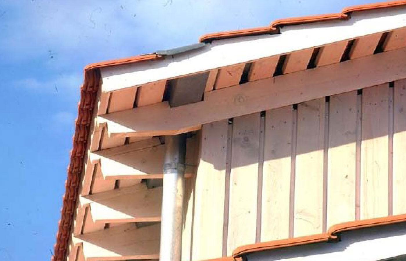 starker Dachrand durch zurückgesetzte Rinne